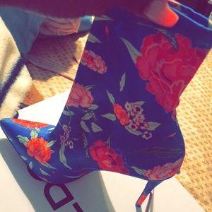ALDO blue floral bootie ❤️ never worn !!